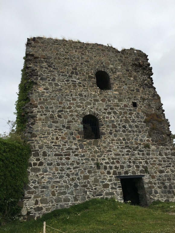 dunstaffnage tower
